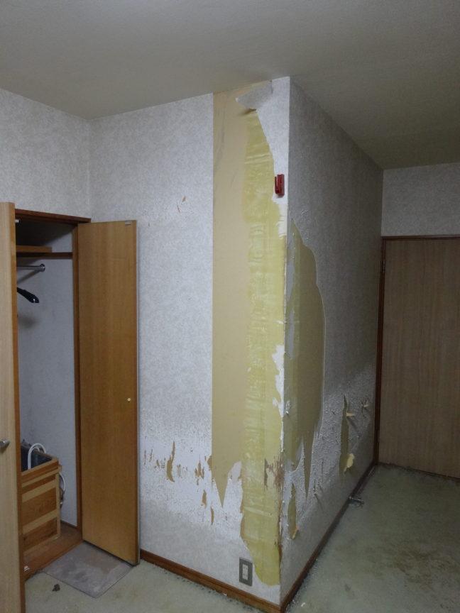 子供部屋DIY全面リフォーム①(床、壁紙剥がし)